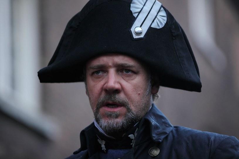 Russell Crowe jako nieustępliwy Javert /materiały prasowe