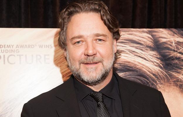"""Russell Crowe na premierze filmu """"Źródło nadziei"""" /AFP"""