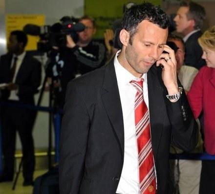 Ryan Giggs nie ma wątpliwości - 100 tysięcy tygodniowo to uczciwa płaca dla piłkarza /AFP