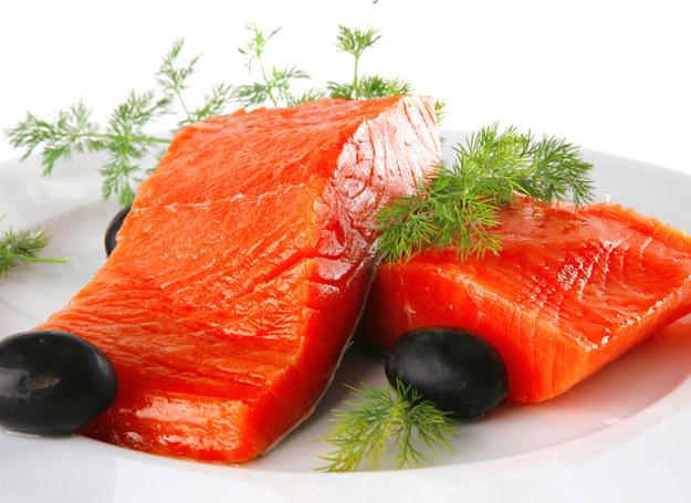 Ryby to nieocenione źródło witamin w diecie dziecka /123RF/PICSEL