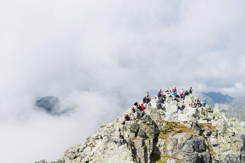Rysy. Turyści na najwyższym szczycie w Polsce /East News