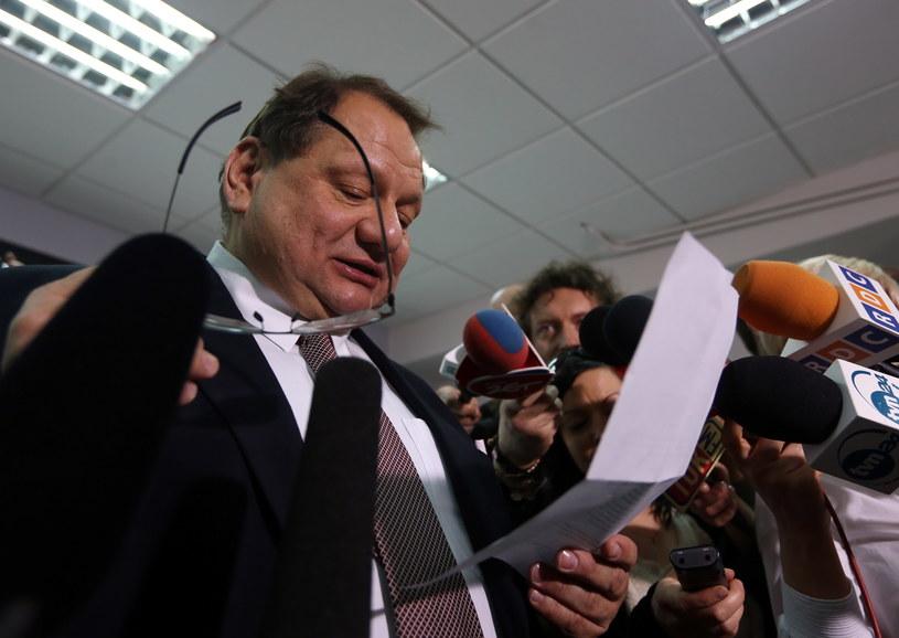 Ryszard Kalisz po posiedzeniu sądu partyjnego /Tomasz Gzell /PAP