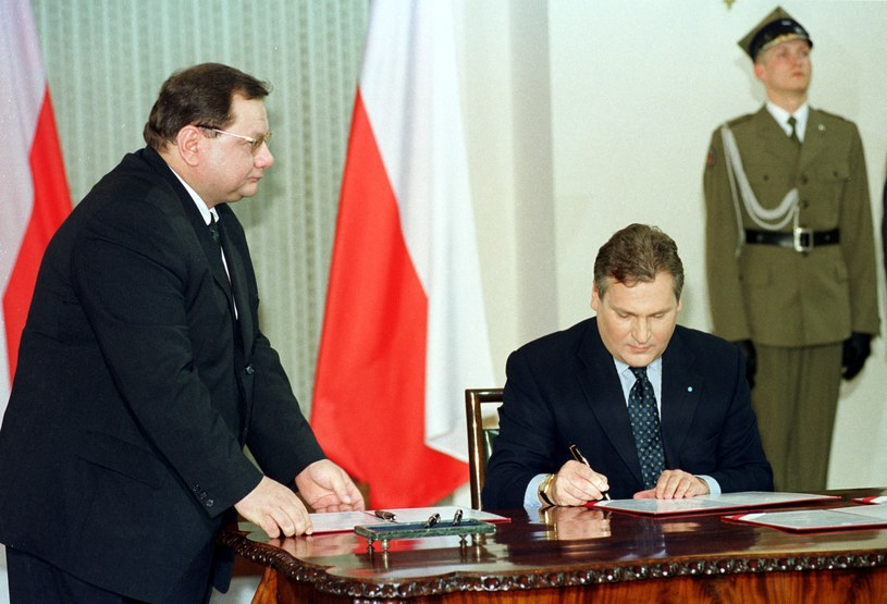 Ryszard Kalisz w roli szefa Kancelarii Prezydenta Aleksandra Kwaśniewskiego, 1999 r. /Adam Chelstowski /Agencja FORUM