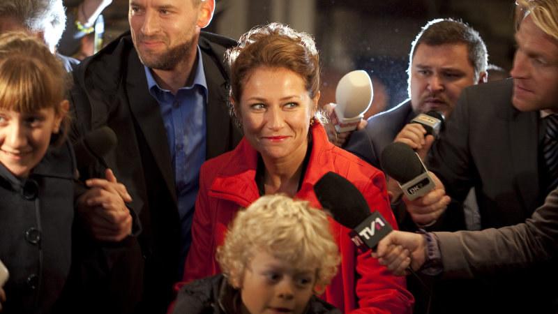 """""""Rząd"""": Duńska premier Birgitte (Sidse Babett Knudsen) dla politycznej kariery gotowa jest poświęcić osobiste szczęście. /materiały prasowe"""
