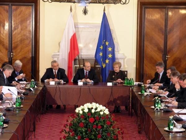 - Rząd pracuje bardzo dobrze - uważa premier /INTERIA.PL