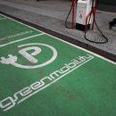 Rząd zmusi cię do zakupu elektrycznego auta. Ma sposób!