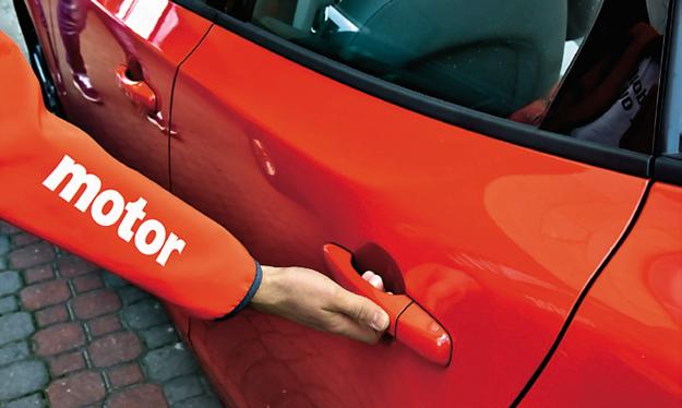 Rzadkość wśród kompaktów – czujniki układu bezkluczykowego we wszystkich drzwiach. /Motor
