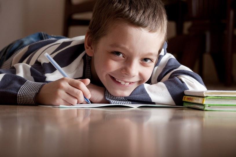 Rządowy podręcznik. Rodzice i nauczyciele martwią się o jakość nauczania /123RF/PICSEL