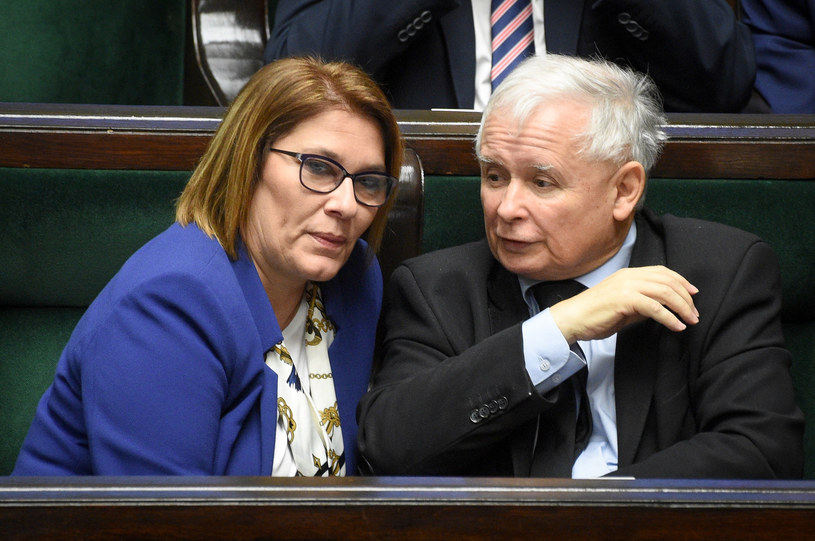 Rzeczniczka PiS Beata Mazurek i Jarosław Kaczyński / Jacek Domiński /Reporter