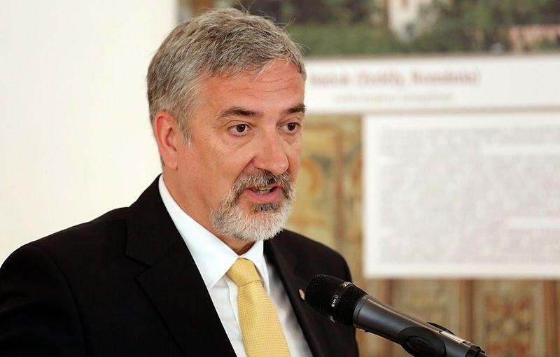 Rzecznik frakcji parlamentarnej Fideszu Janos Halasz /commons.wikimedia.org /