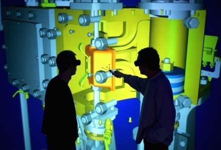 Rzeczywistość rozszerzona, czyli trójwymiarowa wizualizacja modelu silnika. Papier to przeszłość. /AFP