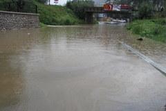 Rzeki w Małopolsce niebezpiecznie wzbierają