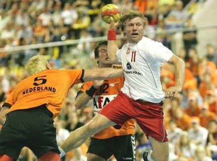 Rzuca Damian Wleklak/Fot: Łukasz Grochala /Agencja Przegląd Sportowy