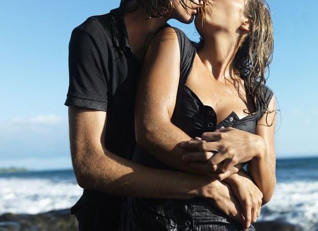 Są piękne, młode i zaradne. Mają partnerów. Tylko dlaczego są to żonaci faceci? /© Panthermedia