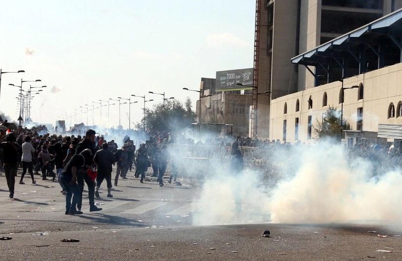 Są zabici i ranni w starciach demonstrantów z siłami bezpieczeństwa w Bagdadzie /EPA/ALI ABBAS /PAP/EPA