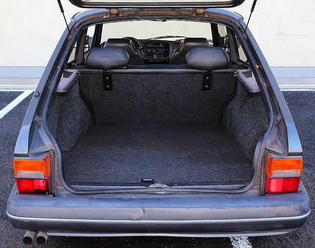 Saab bagażnik /Motor