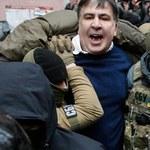 Saakaszwili siłą ściągnięty z dachu i zatrzymany. Z rąk policjantów odbili go zwolennicy