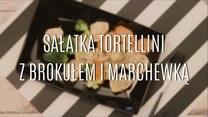 Sałatka tortellini z brokułem i marchewką
