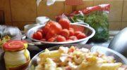 Sałatka z wędzonym kurczakiem i makaronem