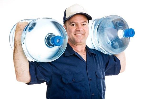 Sam musisz zdecydować, jaką wodę wybrać. Ich wybór jest ogromny /©123RF/PICSEL