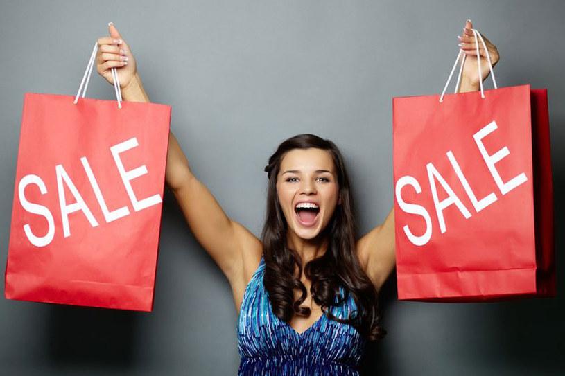 Samo kupowanie jest ekscytujące, ale skup się na tym, by kupić to, co naprawdę będziesz nosić /123RF/PICSEL