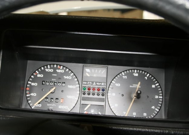Samochód Angeli Merkel miał mieć tylko 190 tys. km przebiegu /