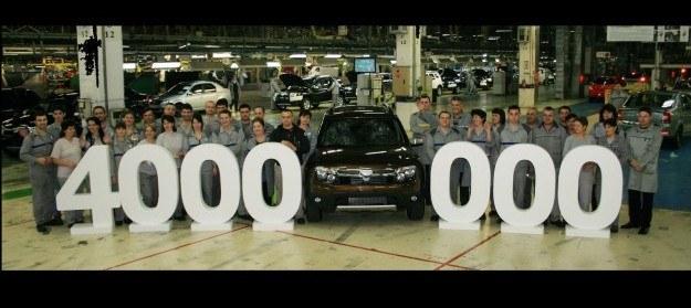 Samochód Dacii nr 4 000 000 /