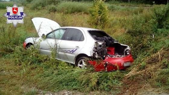 Samochód po wypadku /Policja