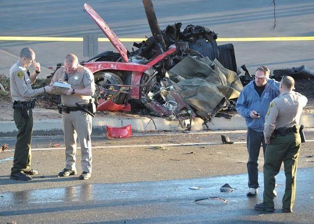 Samochód uległ całkowitemu zniszczeniu / Fot. Jacson / Splash News/ /East News