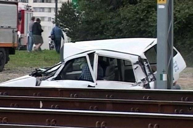 Samochód w konfrontacji z pociągiem nie ma szans /INTERIA.PL