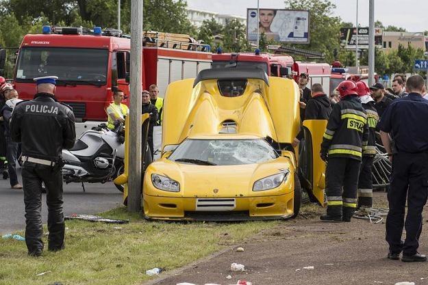 Samochód wpadł w ludzi, 20 osób zostało rannych /PAP