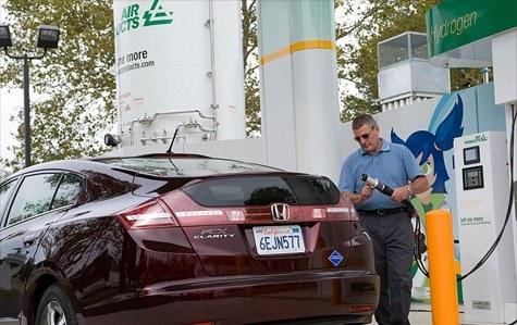 Samochody na paliwo wodorowe będą tańsze niż na LPG? /materiały prasowe