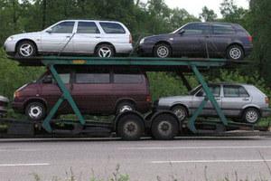 Samochody - nie tańsze, ale z rabatem