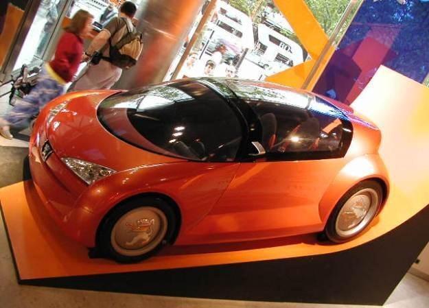 Samochody są coraz bardziej inteligentne. /stock.xchng