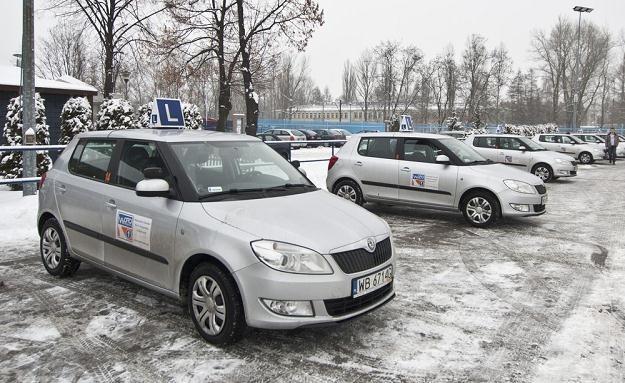 Samochody w wielu ośrodkach stoją bezczynnie / Fot: Krystian Dobuszyński /Reporter