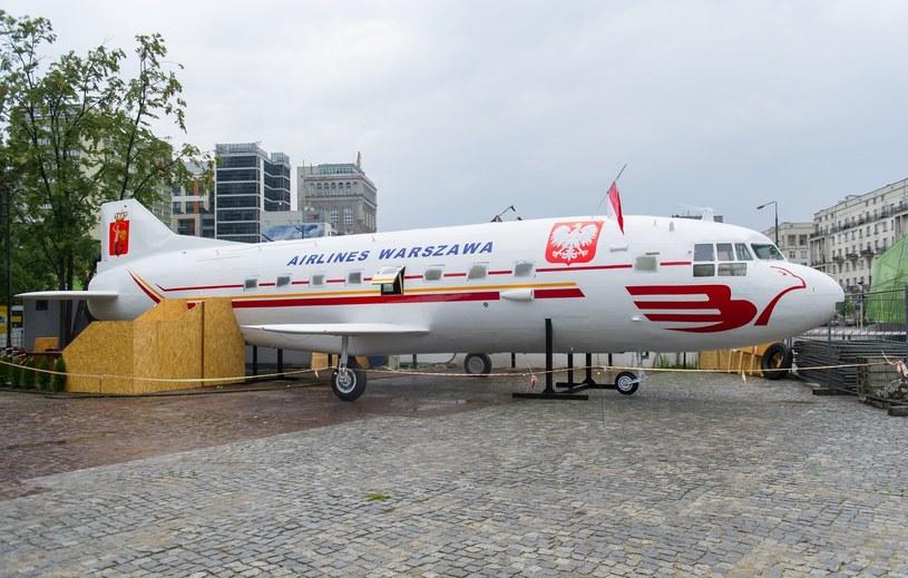 Samolot przy placu Defilad /Bartosz Krupa /East News