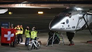 Samolot słoneczny i lot dookoła świata