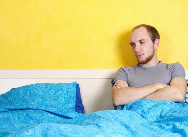 Samotny mężczyzna /123RF/PICSEL