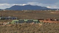 Samowystarczalne eko-domy: Pomysłowe i tanie