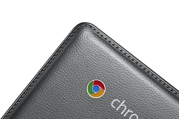 Samsung Chromebook 2 z klapą ekranu pokrytą imitacją skóry /materiały prasowe