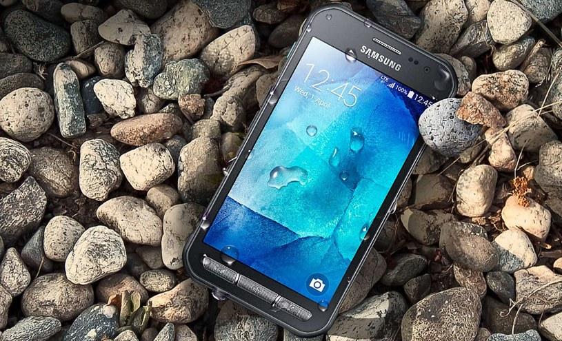Samsung Galaxy Xcover 3 jest popularnym smartfonem /materiały prasowe