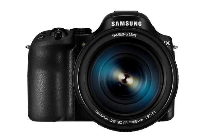 Samsung NX30 /materiały prasowe
