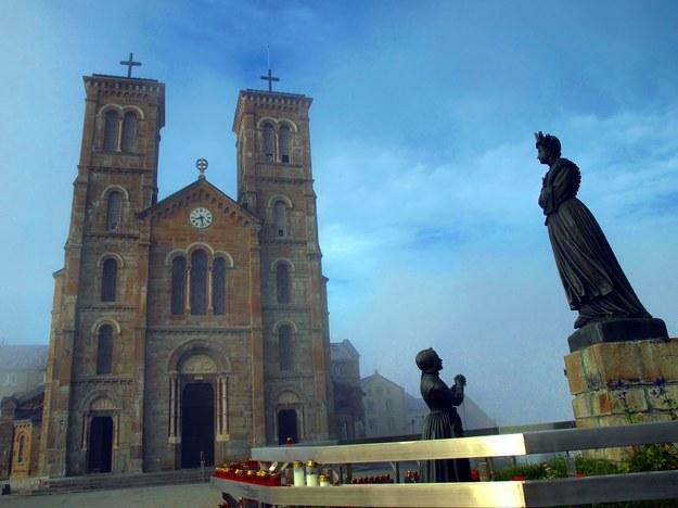 Sanktuarium w La Salette /123/RF PICSEL