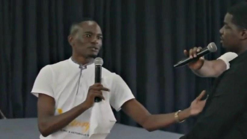 Sanyangore twierdzi, że przez telefon Bóg przekazuje mu instrukcje /YouTube