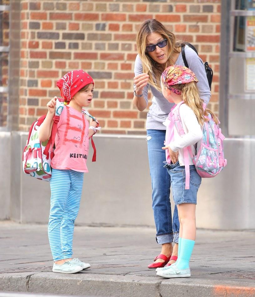 Sarah Jessica Parker z córkami /Splash News /East News