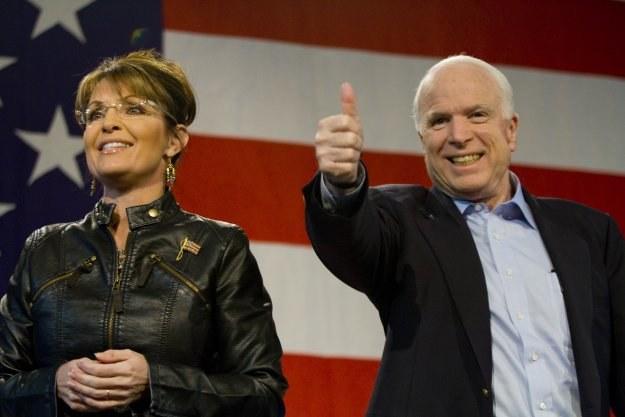 Sarah Palin i John McCain na wiecu poparcia w Tucson/AFP /New York Times/©The International Herald Tribune