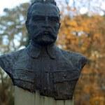 Sarkofag Piłsudskiego na Wawel? Nie!