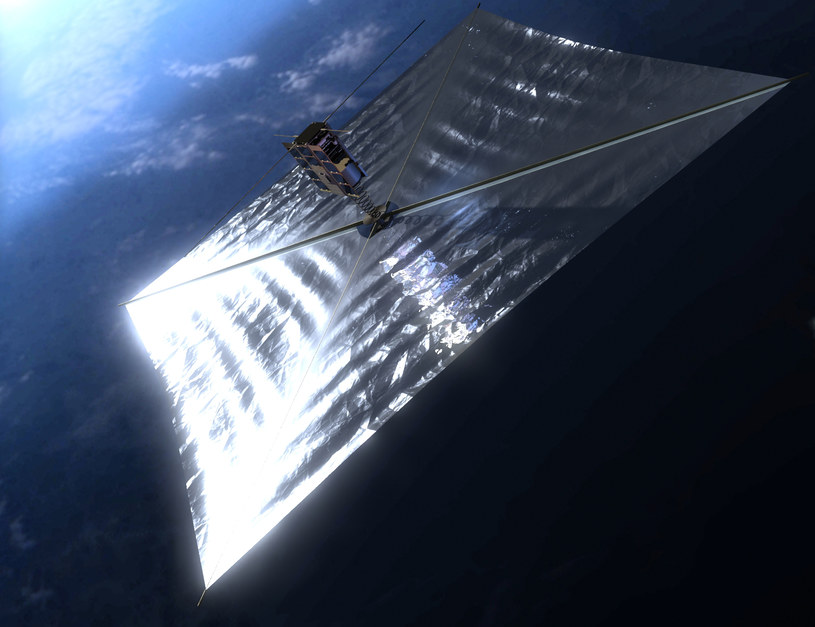 Satelita ma przetestować dwa rozwiązania - systemu deorbitacji (tzw. żagiel deorbitacyjny) oraz czujnik słoneczny na bazie ogniw fotowoltaicznych /materiały prasowe