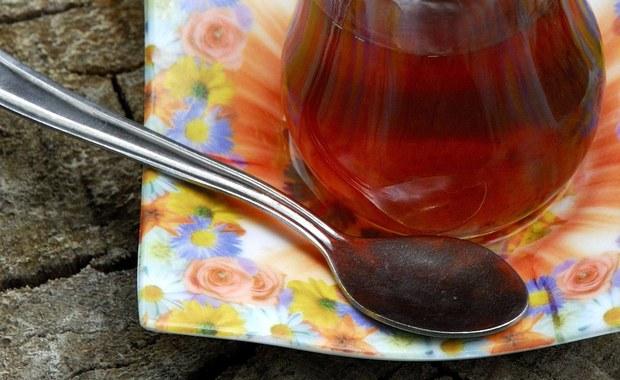 Savoir-vivre: Łyżeczka do kawy. Mała rzecz, a może stać się powodem wielkiej gafy