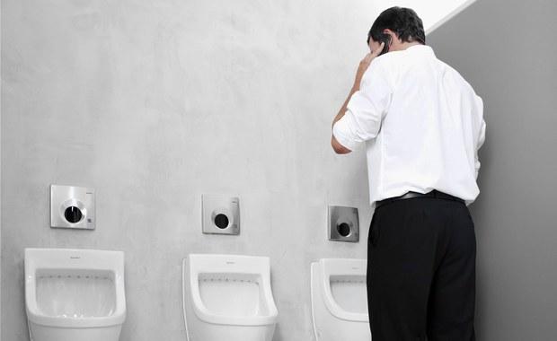 Savoir-vivre w toalecie